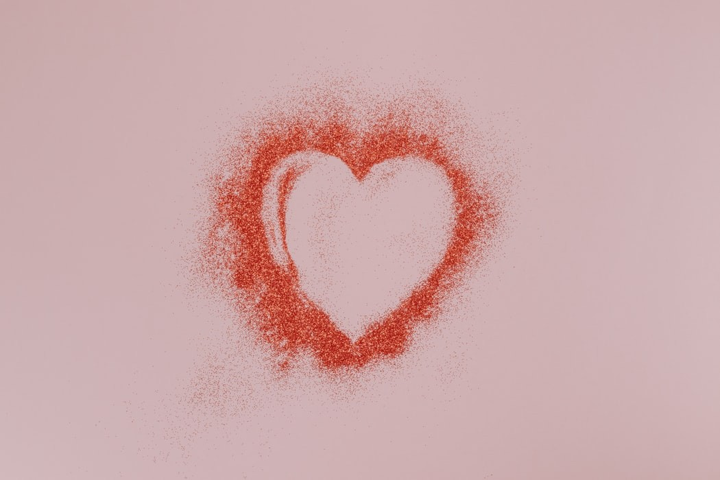 Heart outline made of glitter